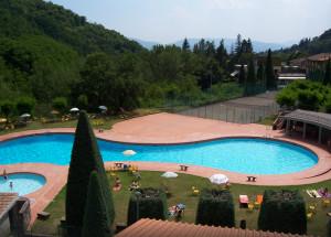 piscina hotel marrani ronta