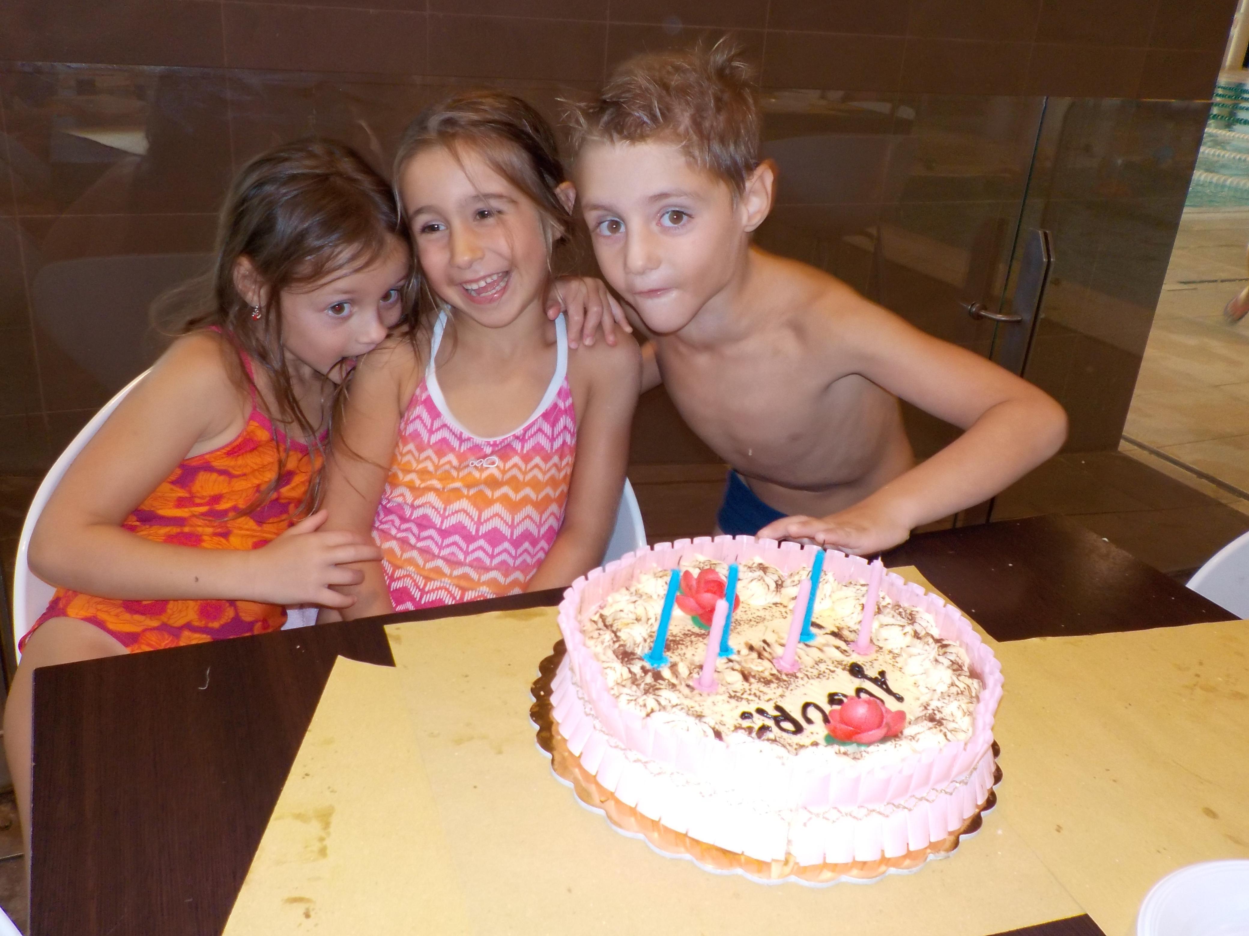 Compleanno per bambini all 39 hidron firenze una pacchia for Piscina hidron