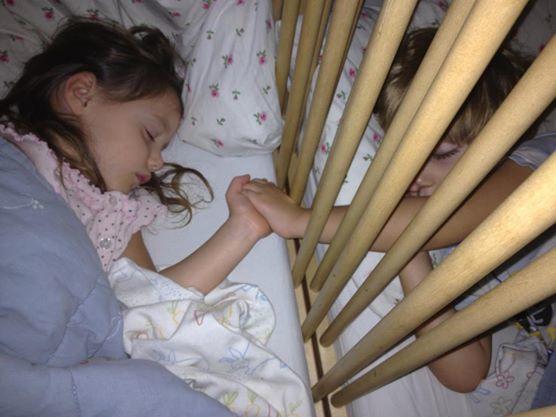 Come svegliare i bambini al mattino (manca poco all' inizio delle scuole)