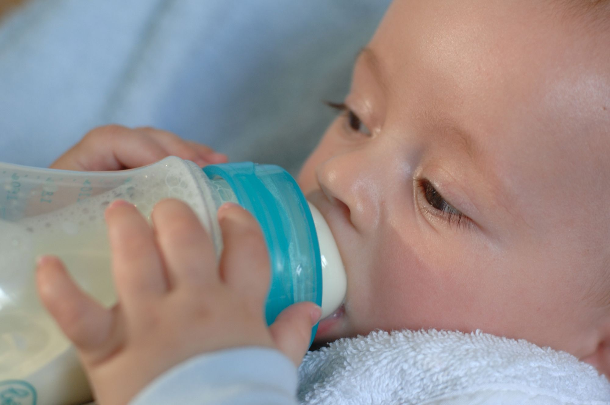 Confessioni di una neo mamma: Come preparare un biberon di latte artificiale