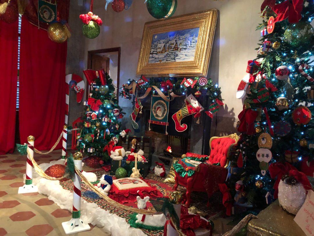 Percorso Babbo Natale.Una Casa Di Babbo Natale Bellissima All Interno Del Parco Della